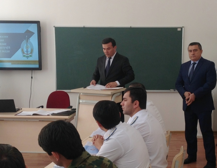 An exemplary lesson with students in the Academy of the MIA